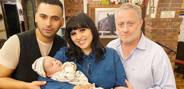 pareja gay bebé gestación subrogada